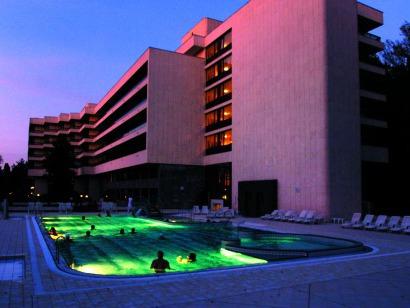 Noční pohled na hotel