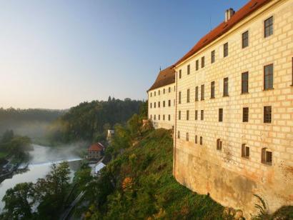 Zámek a údolí Lužnice